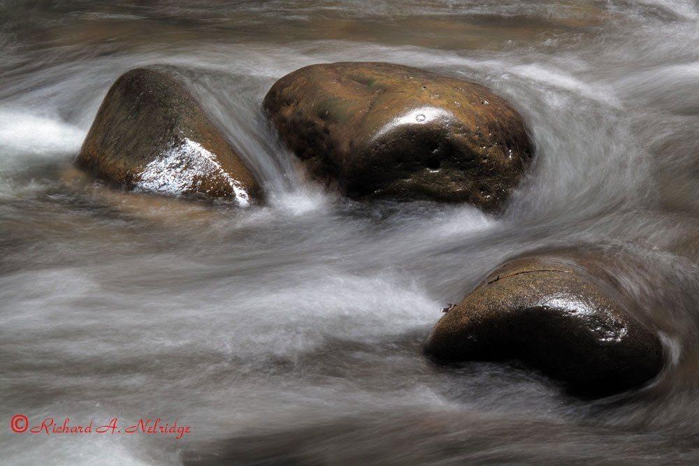 WATERBALLETONTHEROCKS2